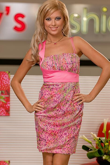 Платья за 7610 руб.