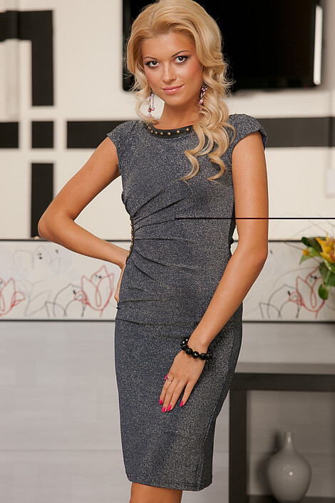 Платье за 2620 руб.