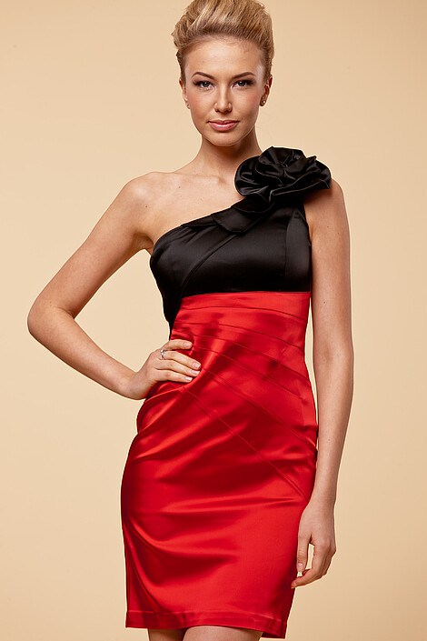 Платье за 4860 руб.