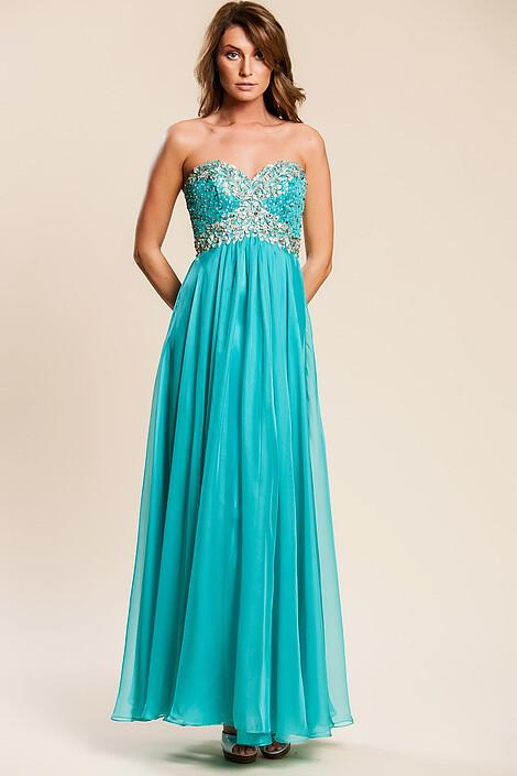 Платье за 8860 руб.