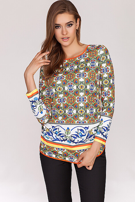 Блузка за 2560 руб.