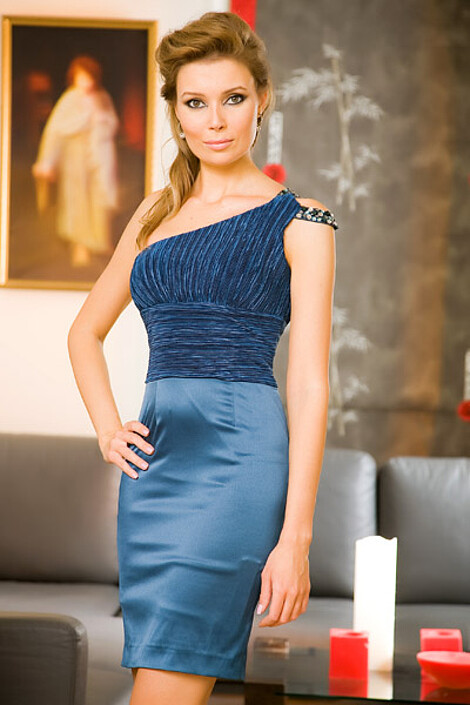 Платье за 4374 руб.