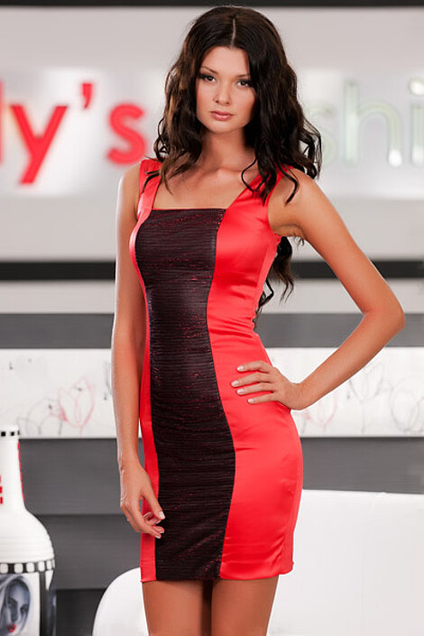 Платье за 6750 руб.