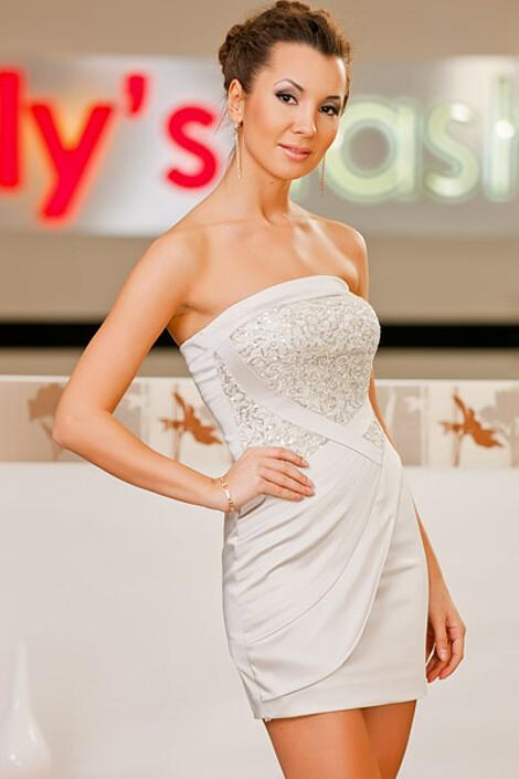 Платье за 6920 руб.