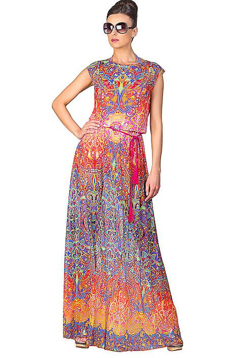 Платье пляжное за 3900 руб.
