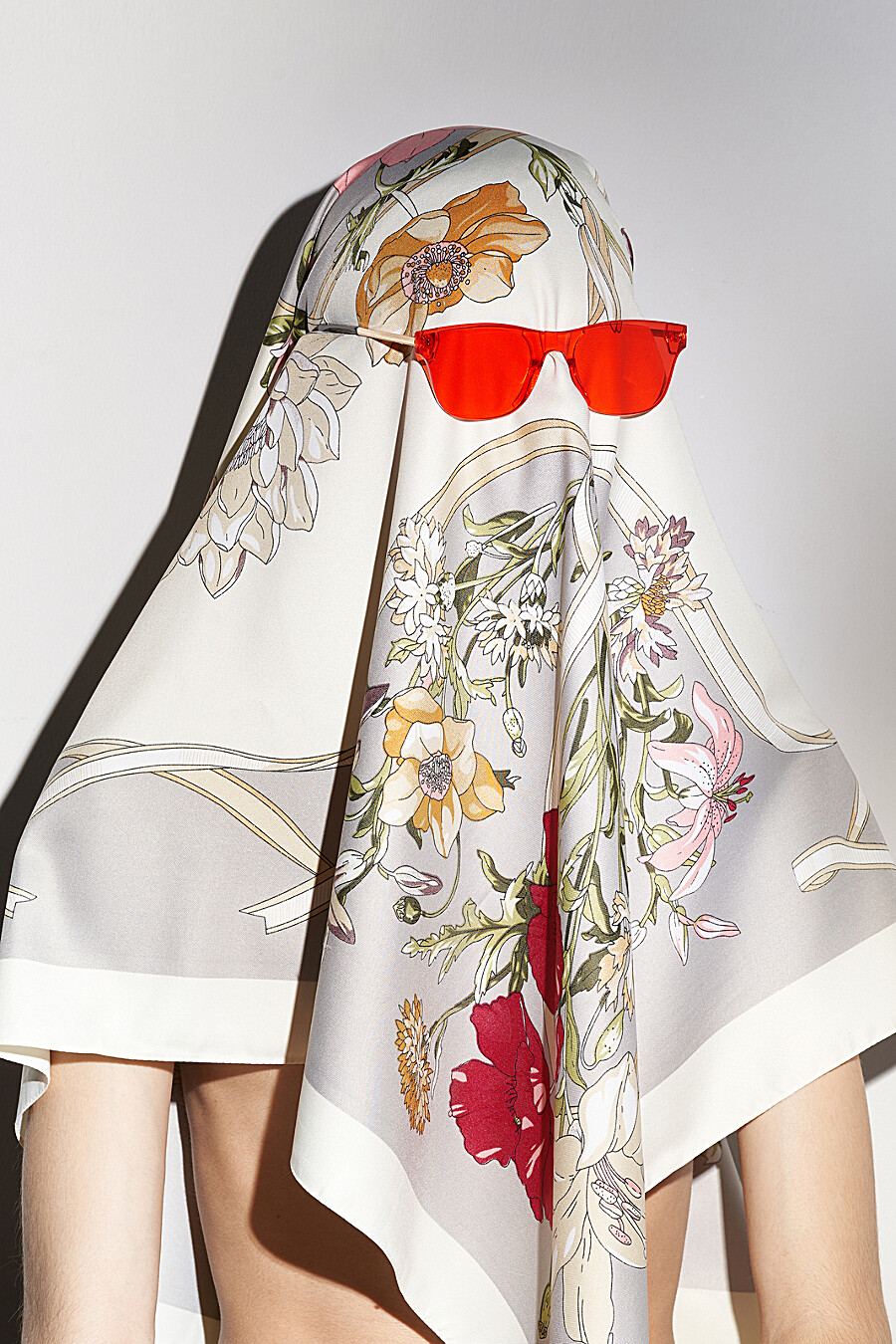 """Платок """"Цветы в тумане"""" Nothing Shop (668116), купить в Moyo.moda"""